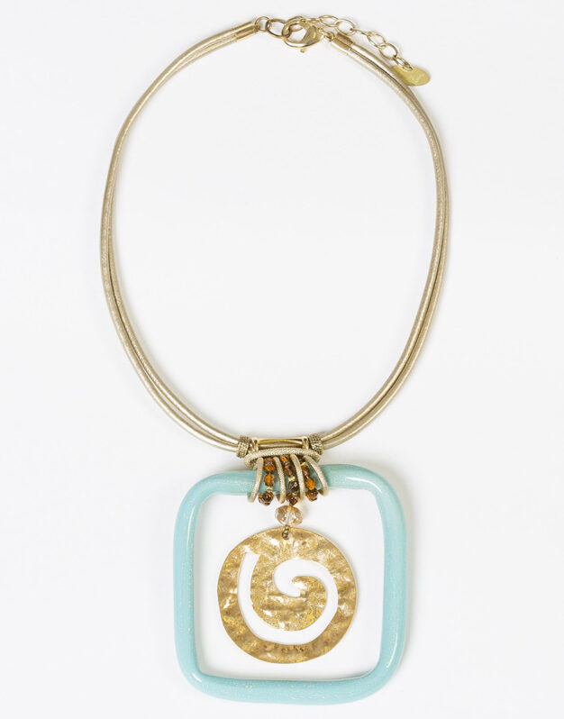 Short Necklace with Chunky Ornaments - Turquoise